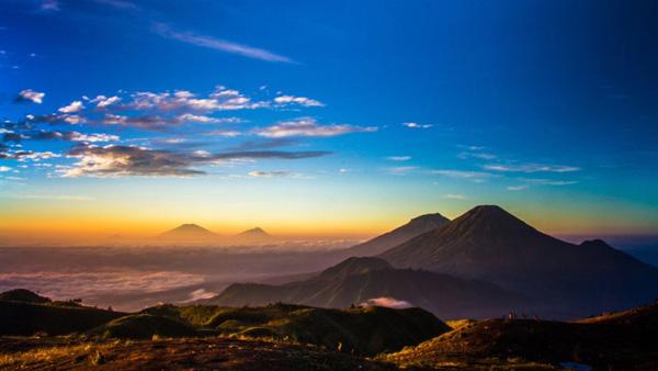 Hiking in Prau Mountain, Dieng Plateau, Banjarnegara